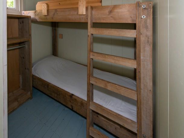 Strandhuisje slaapkamer camping geversduin