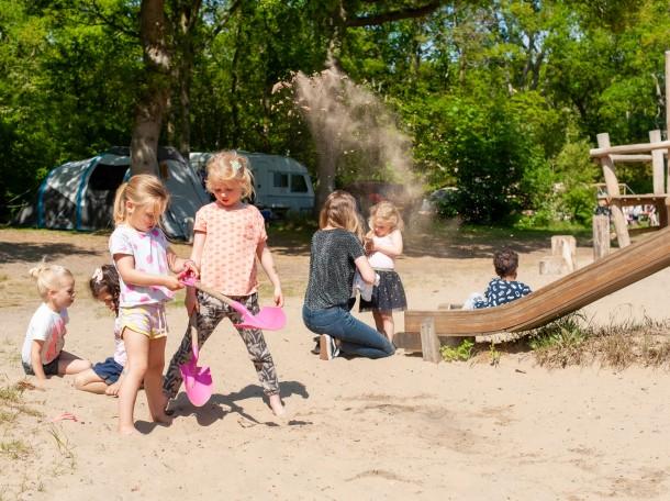 Speeltuin duinstruweel camping geversduin kinderen spel